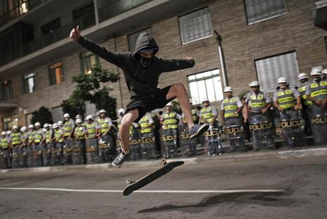 Protesting Skateboarder Shreds for Riot Police in Brazil - NBC News | The Bright Side of Sao Paulo | Scoop.it