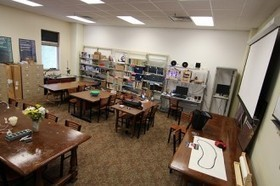 A Librarian's Guide to Makerspaces: 16 Resources | School Library Design Planning | Scoop.it