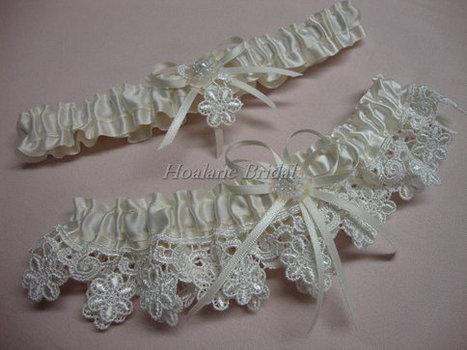 Garter set, Lace garter set, Bridal garter set | Wedding Garters | Scoop.it