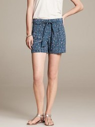 Nailing the Printed Shorts Street-Style! | World of Fashion!! | Scoop.it