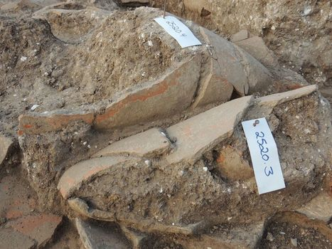 Canaanite rulers liked their wine jars: Vast collection found at Tel Kabri - Archaeology | Jewish Education Around the World | Scoop.it