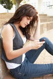 » Students' Frequent Cell Phone Use Tied to Lower Grades, Higher Anxiety - Psych Central News | Psych-interest | Scoop.it