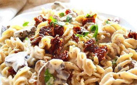 Pasta in Creamy Garlic Mushroom Sauce [Vegan] | Vegan Food | Scoop.it