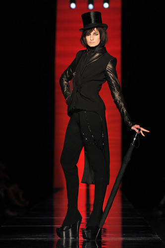 Jean Paul Gaultier designs 19th century fashion for Fall/Winter 2012 | I don't do fashion, I am fashion | Scoop.it