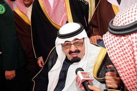 Amid Protests, Saudi King Offers Billions in Benefits   Coveting Freedom   Scoop.it