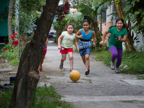 The One World Futbol Promises a Lasting Source of Fun in Poor Countries | Good Stuff | Scoop.it