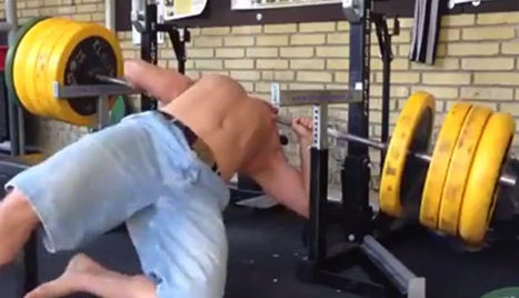 Idiot Almost Kills Himself Working Out Alone | DailyVideosTV | Scoop.it