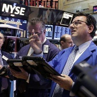 SEC, FBI probe fake tweet that rocked stocks | Social Media Moves | Scoop.it