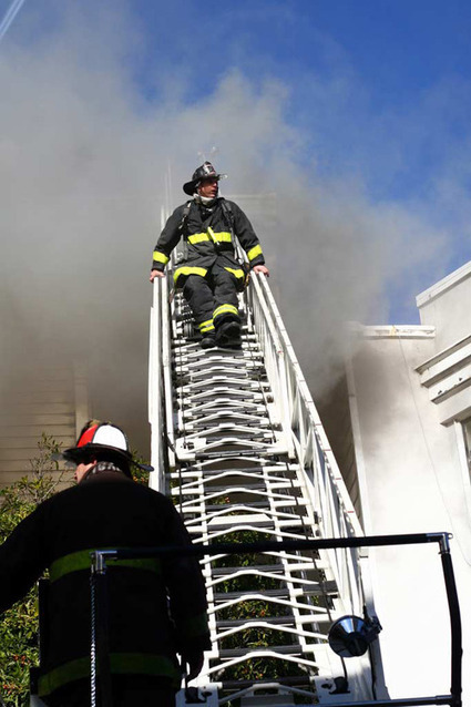 Breaking: Massive Fire Erupts In San Francisco's Western Addition [Updated]: SFist | Collateral Websurfing | Scoop.it