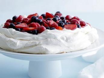 Mixed Berry Pavlova : Ina Garten : Food Network | good looking recipes | Scoop.it