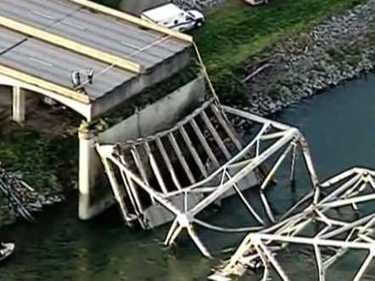 Thousands Of Bridges Are One Freak Accident Away From Collapse | Facility Management | Scoop.it