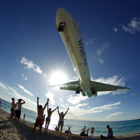 Extreme low flying planes at Maho Beach, Saint Martin | Caribbean Travel News & Tips | Scoop.it