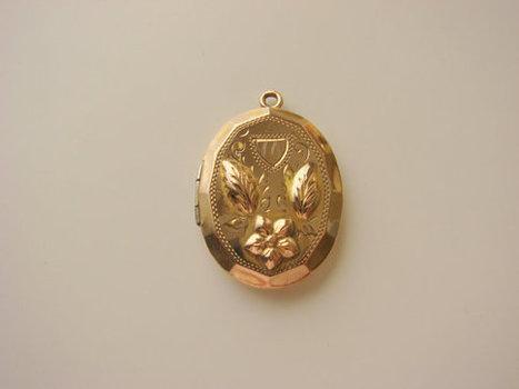 Vintage W & H World War II 12K Gold Filled Repousse Locket/Fob | Jewelry | Scoop.it