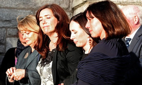 [article en anglais] Seamus Heaney's funeral draws hundreds of mourners | Poezibao | Scoop.it