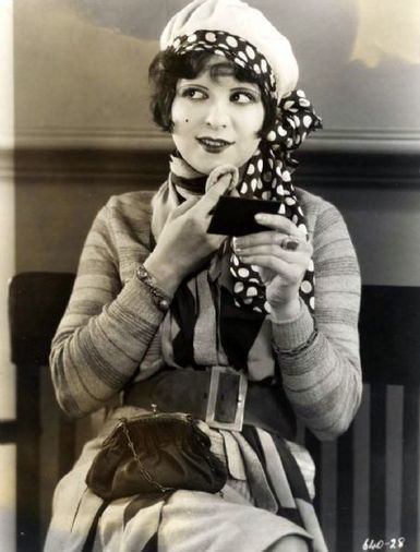 The History of the Flapper, Part 2: Makeup Makes a Bold Entrance | Springers assignment | Scoop.it