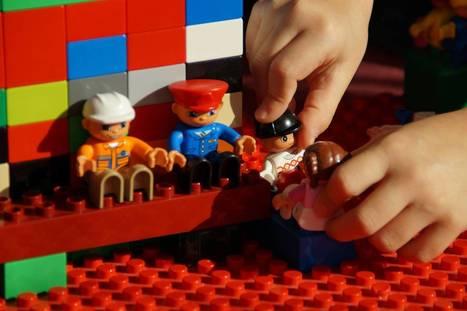 Des milliers de Lego investissent les bibliothèques jeunesse pour développer la créativité des enfants   Archimag   Jeunesse   Scoop.it