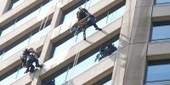 Superhero Window Cleaners in Brazil – Level 1 :: News in Levels - easy English reading and listening | FOTOTECA LEARNENGLISH | Scoop.it