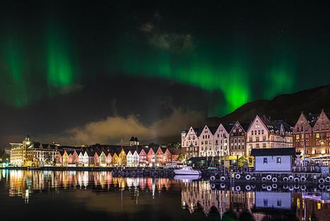 Aurore boréale au dessus de Bryggen à Bergen Norvège | Arctique et Antarctique | Scoop.it
