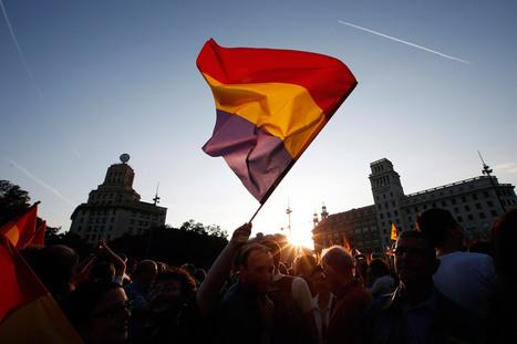 Miles de españoles marchan para exigir un referendo sobre la monarquía | historian: people and cultures | Scoop.it