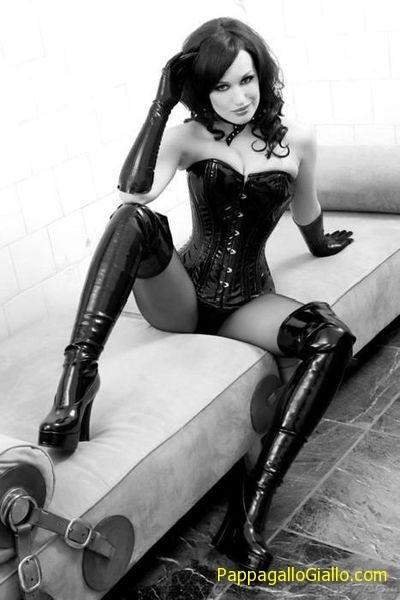 Erotica in bianco e nero (60 foto) - PappagalloGiallo.com | RAGAZZE | Scoop.it