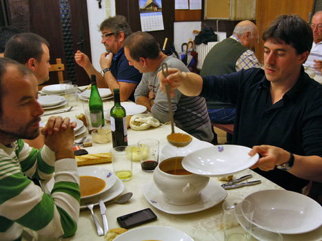 At Basque Cooking Clubs, Food And Fraternity Mix Heartily | Basque Society & Culture | Scoop.it