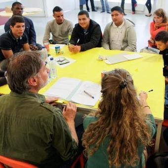 Molenbeek: les jeunes ont débattu avec les poli...   Jeunesse et orientations politiques   Scoop.it