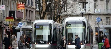 Grenoble, première ville d'Europe à supprimer la publicité de ses rues - L'Express   Communication Romande   Scoop.it