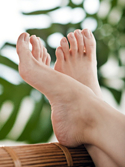 11 Tips for Good Diabetes Foot Care - Foot Health Center - Everyday Health | A Healthier Me 2013 | Scoop.it