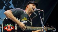 Tom Morello discusses his history with the acoustic guitar - MusicRadar.com | Around the Music world | Scoop.it