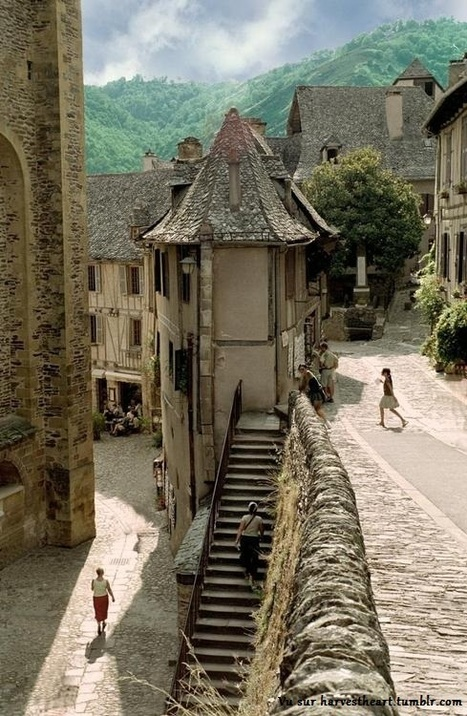 Conques : un superbe village médiéval de l'Aveyron | A visiter | Scoop.it