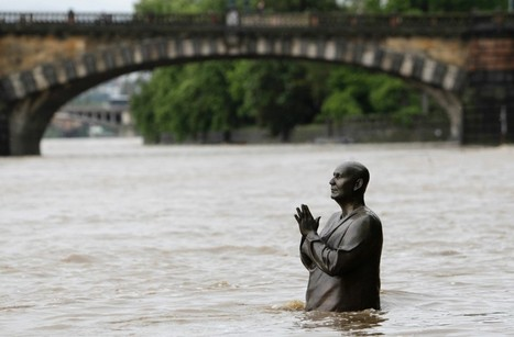 Czech floods force 2,700 from homes, threaten central Prague | Sustain Our Earth | Scoop.it