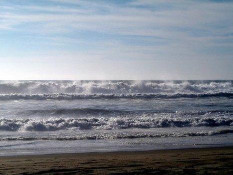 Waves crash onto the beach at Rosarito   Baja California   Scoop.it