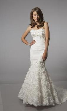 Alfred Sung 6876 Size 12   Wedding Dresses   wedding  and event   Scoop.it