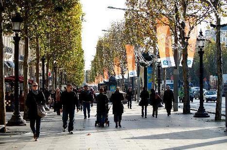 Exploring The Champs Elysees   SoloFriendly.com   Parisian Style   Scoop.it