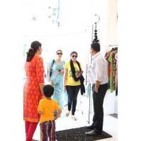 Buy latest Designer bridal and wedding Sarees online at bharat plaza. | bharatplaza fashion gallery | Scoop.it