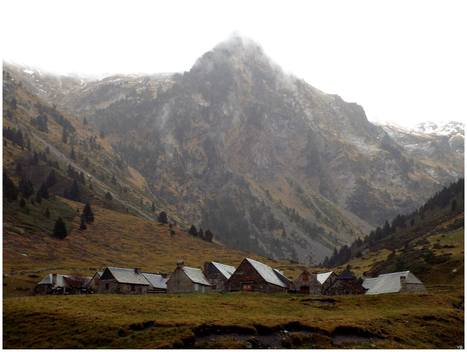 Le village des granges du Moudang le 26 novembre 2014   Vallée d'Aure - Pyrénées   Scoop.it