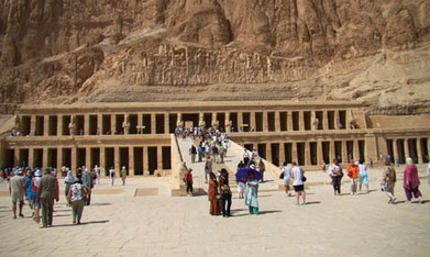 Temple of Queen Hatshepsut safe despite nearby fire - Ancient Egypt - Heritage - Ahram Online | Ancient Egypt and Nubia | Scoop.it