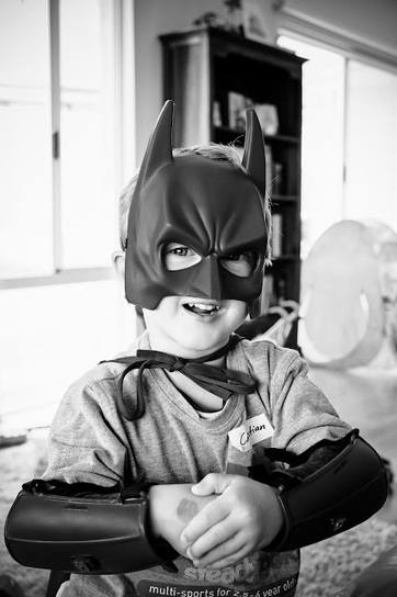 The Velvet Photography Blog: Shadow of The Bat: Shooting in black and white. {perth portrait photographer} | Blogging Tips | Scoop.it