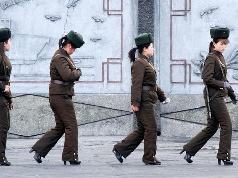 Coreia do Norte: mulheres do exército andam de tacão alto   CoreiadoNorte   Scoop.it