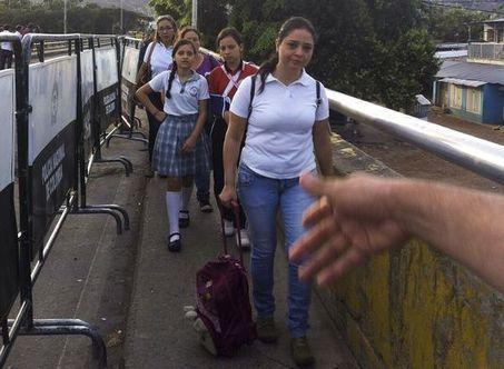 La frontière entre la Colombie et le Venezuela rouverte pour permettre aux enfants d'aller à l'école | Venezuela | Scoop.it
