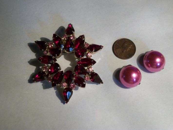 Beautiful ruby red with pink topaz broach and pink earrings | Antiques & Vintage Collectibles | Scoop.it