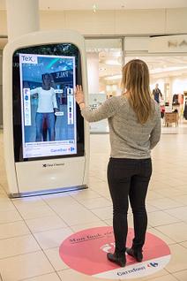Carrefour teste des cabines d'essayage virtuelles / Les actus / LA DISTRIBUTION - LINEAIRES, le magazine de la distribution alimentaire   Nouveaux horizons et innovation   Scoop.it