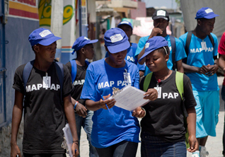 En cartographiant les risques d'une ville, de jeunes Haïtiens acquièrent des connaissances sur la santé et la technologie | The Total Sanitation Campaign in Haiti | Scoop.it