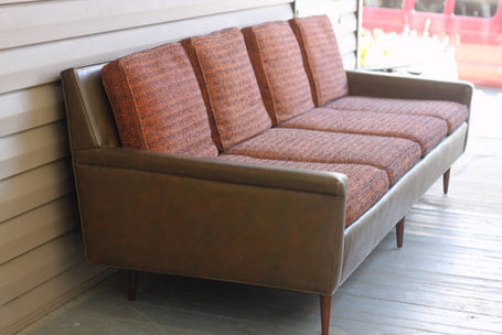 Milo Baughman // Mid Century Modern sofa | Chummaa...therinjuppome! | Scoop.it