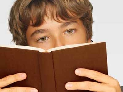 Middle school boys who are reluctant readers value reading more after using e-readers | Edumathingy | Scoop.it