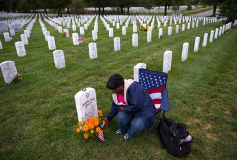 For mothers of war dead, Arlington National Cemetery becomes a weekly ritual | Upsetment | Scoop.it
