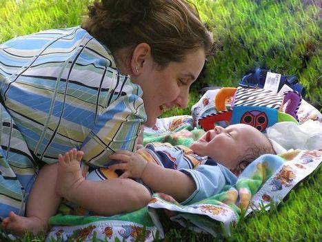 Jeux d'éveil, activités pour bébé de 0 à 6 mois | Titis Doudous | Scoop.it