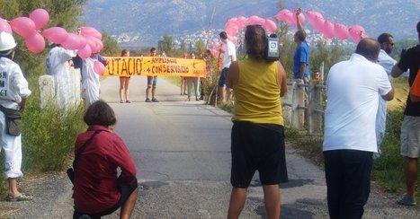Acció de Salvem l'Empordà contra l'ampliació de la carretera dels tres ponts   #territori   Scoop.it