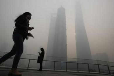 China tells pilots to improve landing skills to deal with Beijing smog | Reuters | Sustain Our Earth | Scoop.it