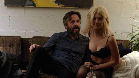 Photos : Emily Ratajkowski en lingerie sexy dans la série Easy | Radio Planète-Eléa | Scoop.it